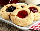 HEALTHY PEANUT BUTTER & JELLY COOKIES